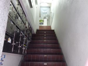ミトオリアートビル階段