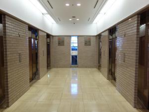 住友生命OBPプラザビルエレベーターホール