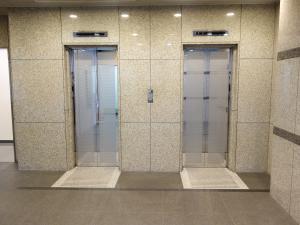 阿波座パークビルエレベーター