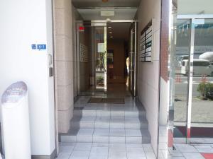 中川ビルエントランス