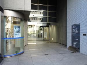 WAKITA堺筋本町ビルエントランス