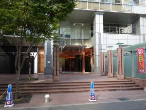 京阪堂島ビルエントランス
