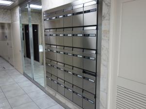 恒和殖産福島ビル郵便ポスト