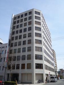 上六新興産ビル外観