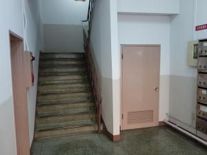 三晃ビル旧館階段
