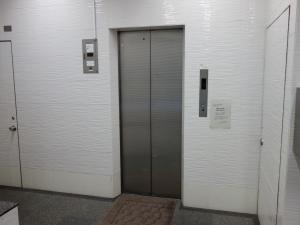森山ビルエレベーター