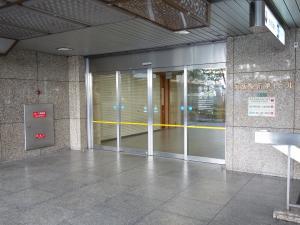 大阪駅前第4ビルエントランス