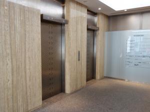 いちご南森町ビルエレベーター