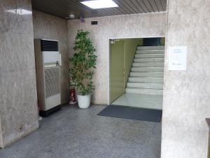 新日本ビルエントランスホール