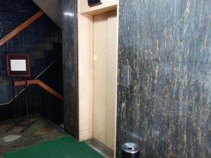 大阪洋服会館ビルエレベーター