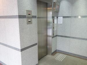 長堀橋KOURINビルエレベーター