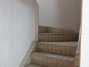 第2シルバービル階段