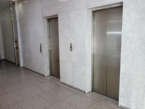 なにわ筋ビルエレベーター