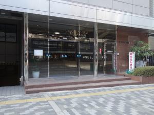 エサカ中央ビルエントランス