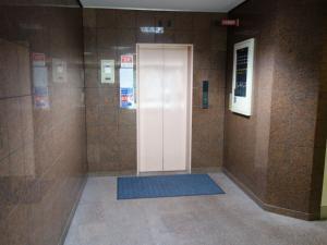セントラル70ビルエレベーター