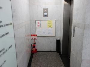 江坂淀ビルエレベーター