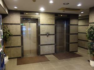 現代心斎橋ビルエレベーター