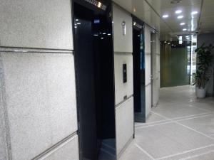 若杉センタービル別館エレベーター