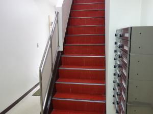 橋本ビル階段