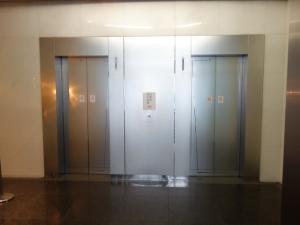 うおいちニッセイビルエレベーター