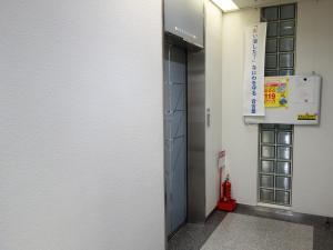 桜橋西ビルエレベーター