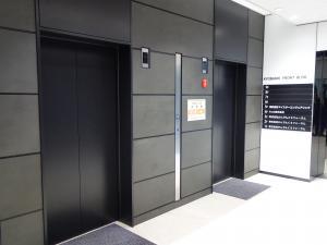 京橋フロントビルエレベーター